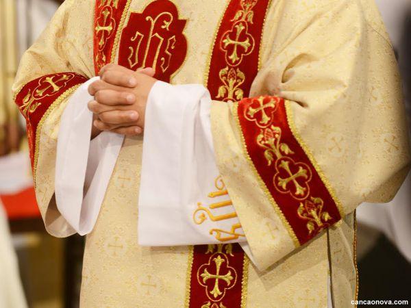 Por que o celibato do sacerdote