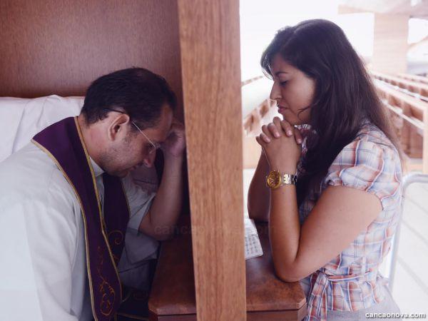 Por que só o padre pode perdoar os pecados