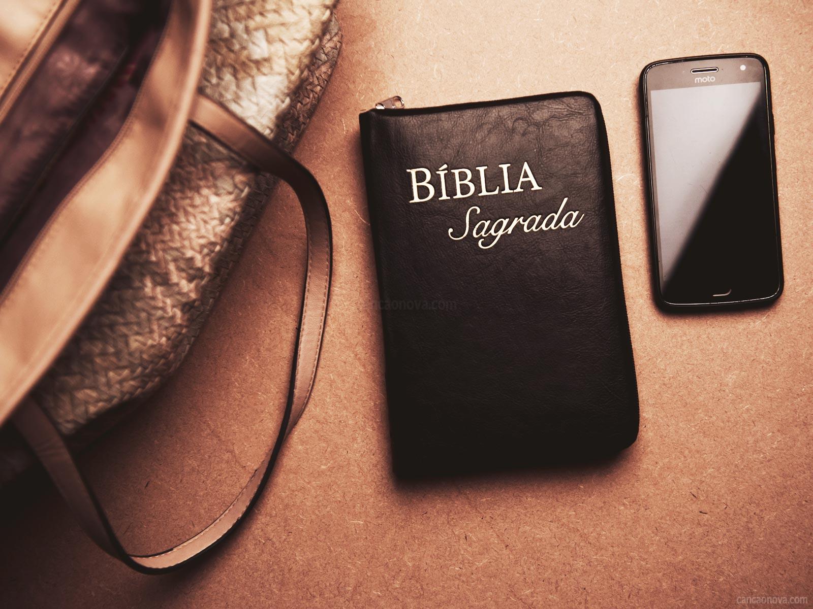 Você tem o costume de levar a Bíblia com você?