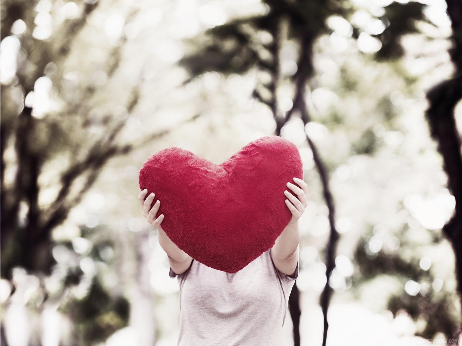 Amar-é-o-maior-e-mais-profundo-sentimento-de-doação