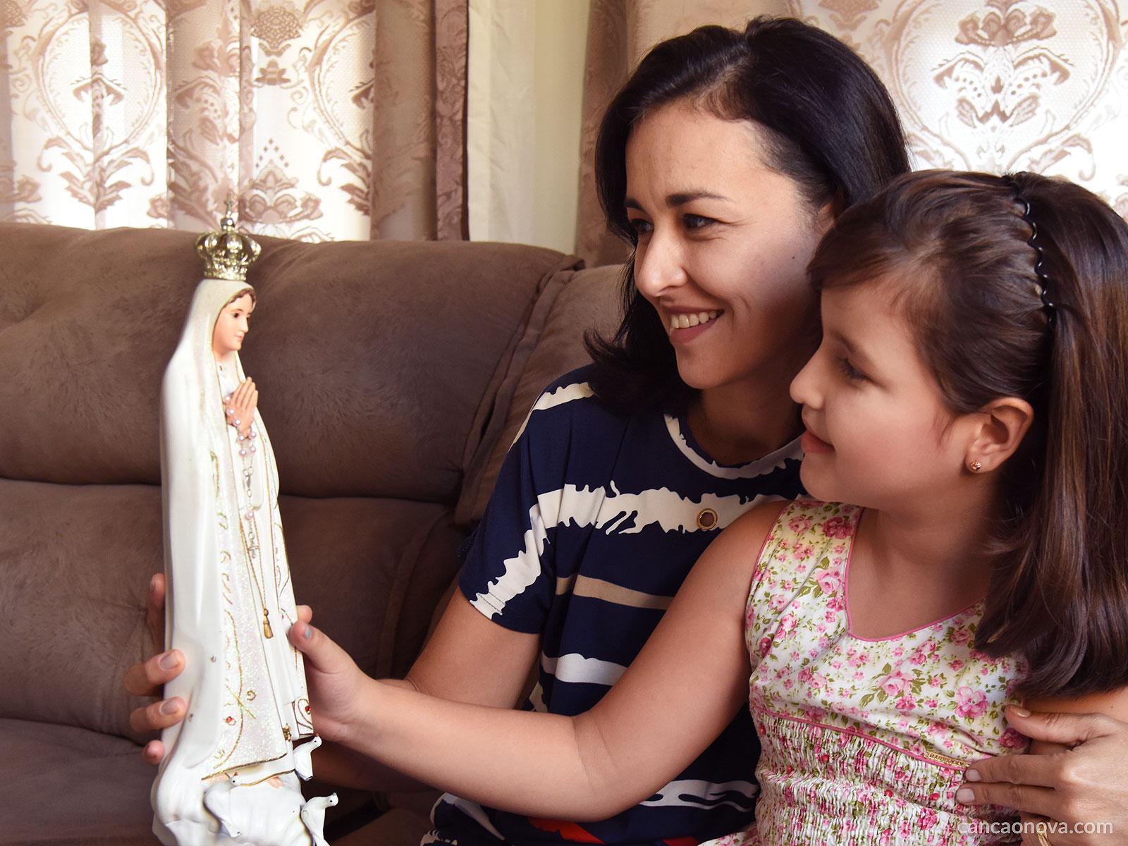 Toda mãe traz consigo os traços de Nossa Senhora