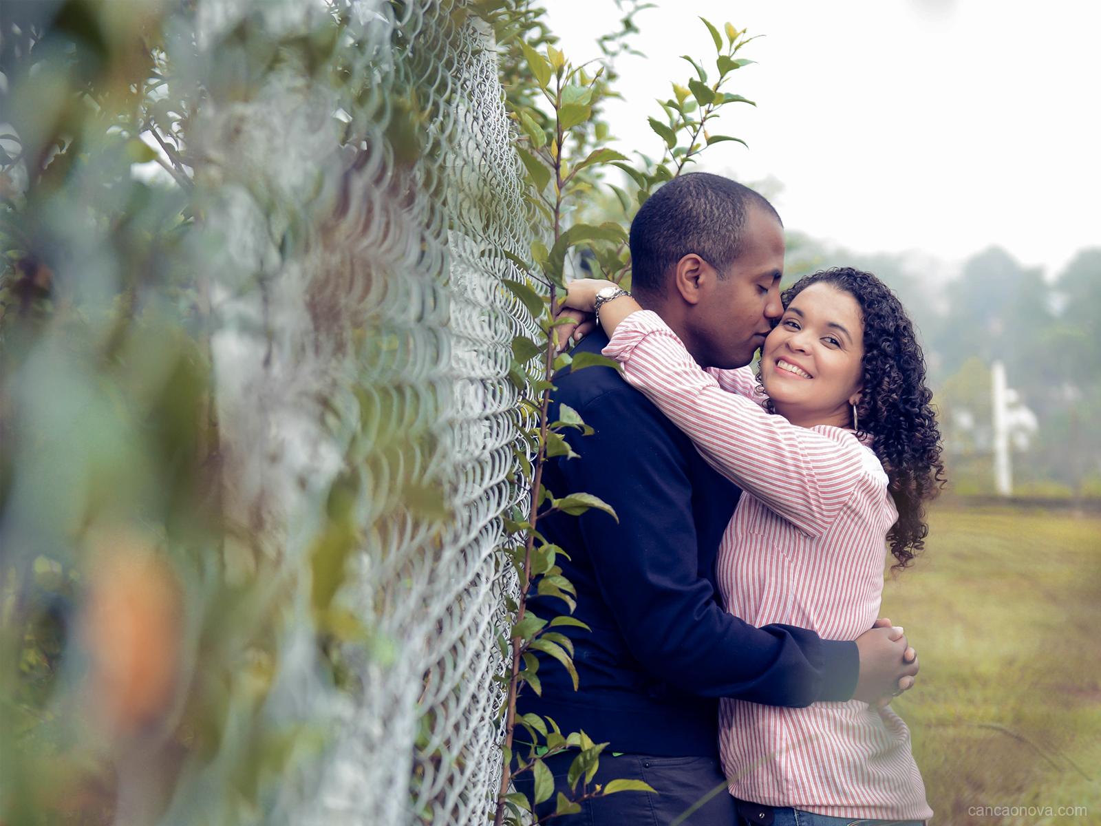 O casamento deve iniciar em um namoro equilibrado