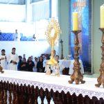 Por que se expõe Jesus na Eucaristia?