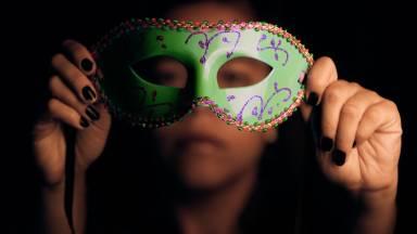 No Carnaval, quando as máscaras se vão, o que resta?