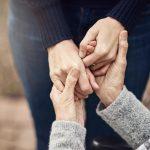 Nesta-vida-devemos-praticar-atos-de-solidariedade-e-bondade