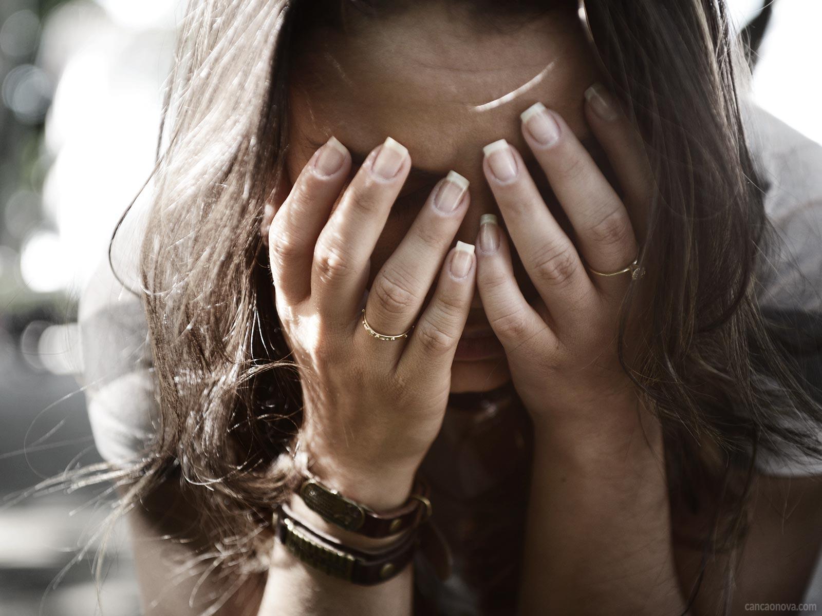 -Quem-tem-fé-e-confia-em-Deus-plenamente-não-se-desespera