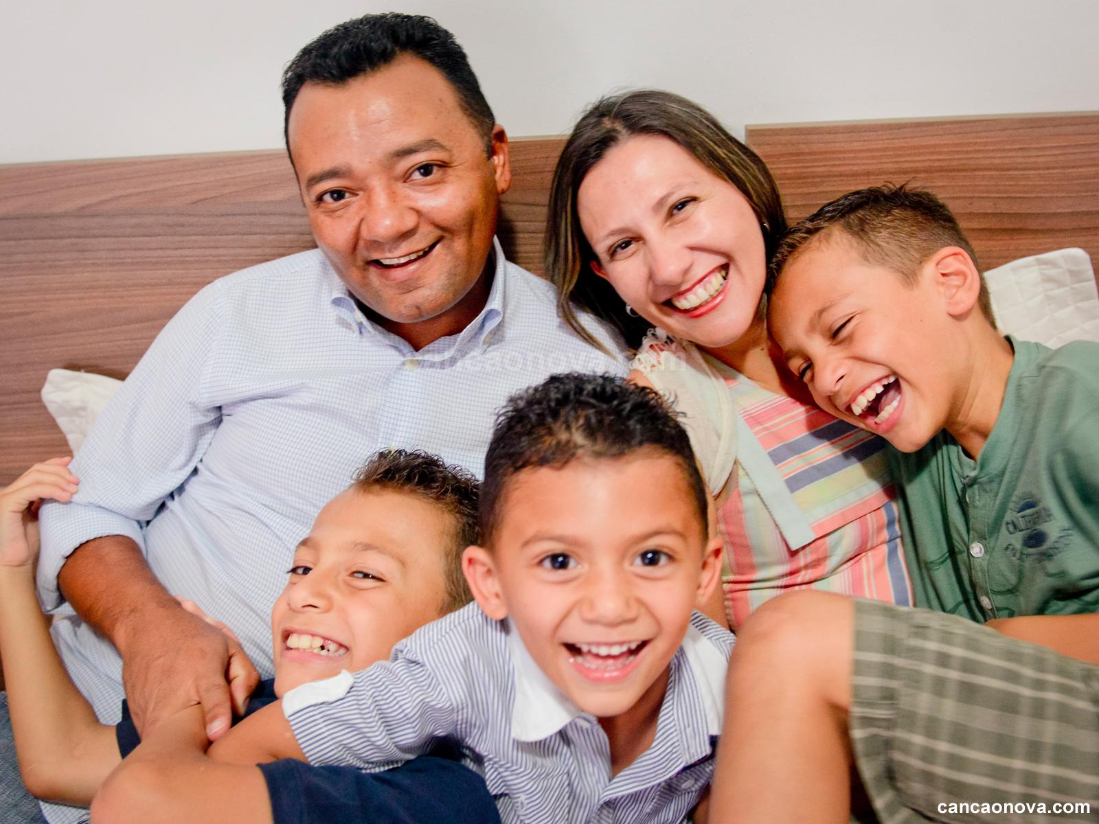 1600x1200- Família, escola do perdão e da vida