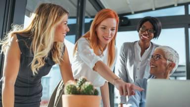 Um bom líder precisa aprender o jeito certo de ouvir e falar