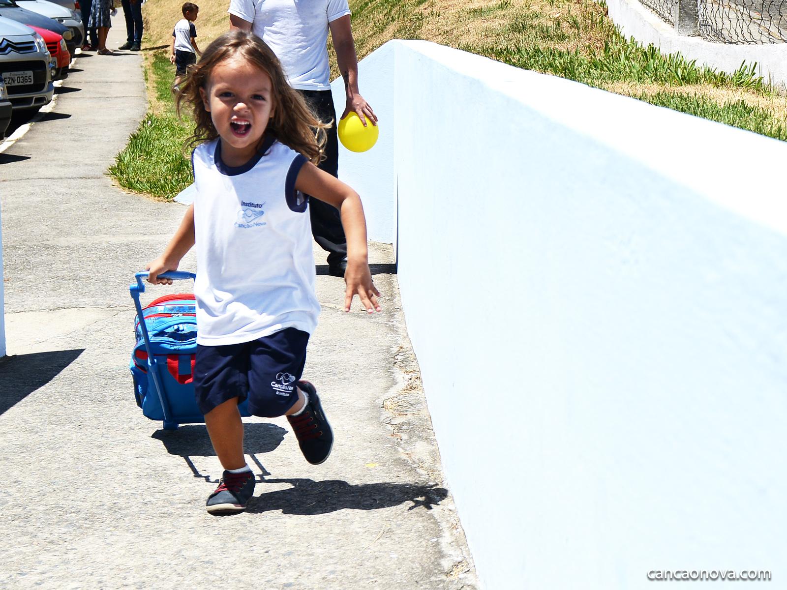 Volta-às-aulas-período-de-adaptação-e-readaptação-das-crianças