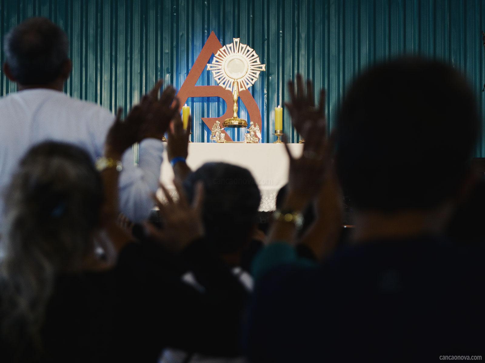 Quais são os efeitos e os benefícios da adoração?