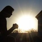 A oração é uma arma para demolir fortalezas