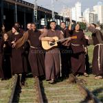 O que os santos fazem e fizeram pra chegar até a santidade?