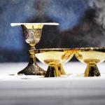 Como celebrar a Palavra quando não há um um sacerdote ou diácono?