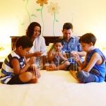 A importância da oração do rosário em família