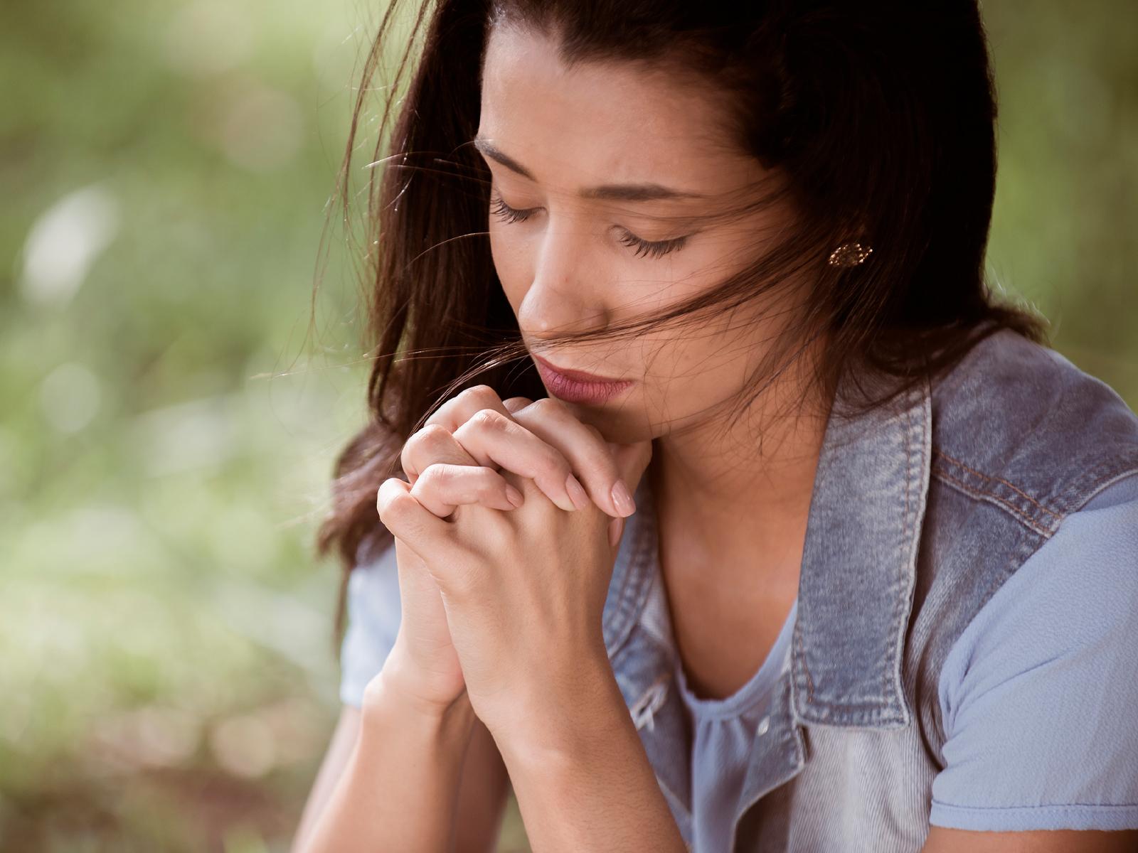 Ser uma mulher orante muda uma história inteira