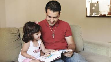 A importância da leitura e o contato afetivo com os filhos