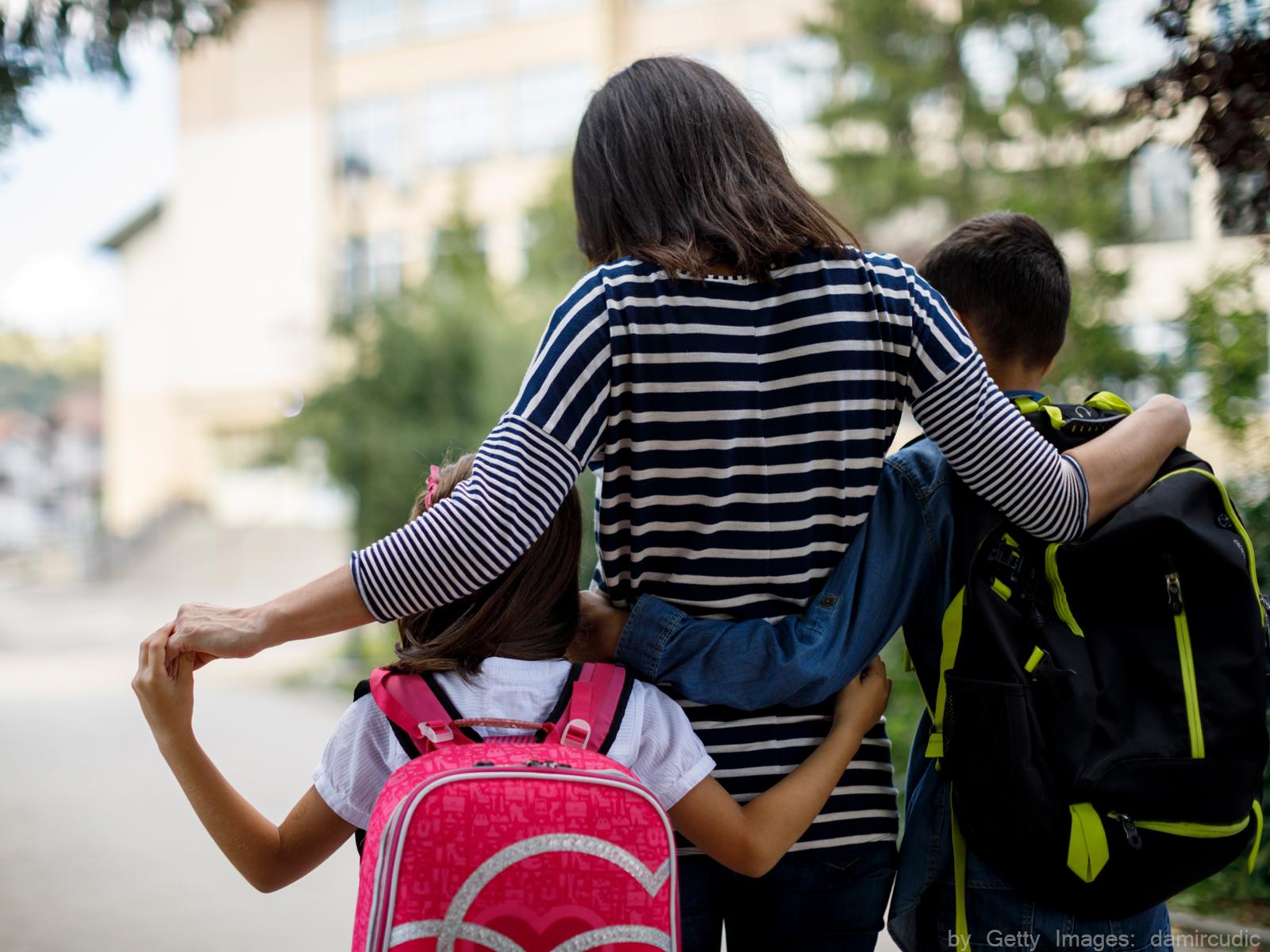 Como ajudar o filho a adaptar-se à nova escola?