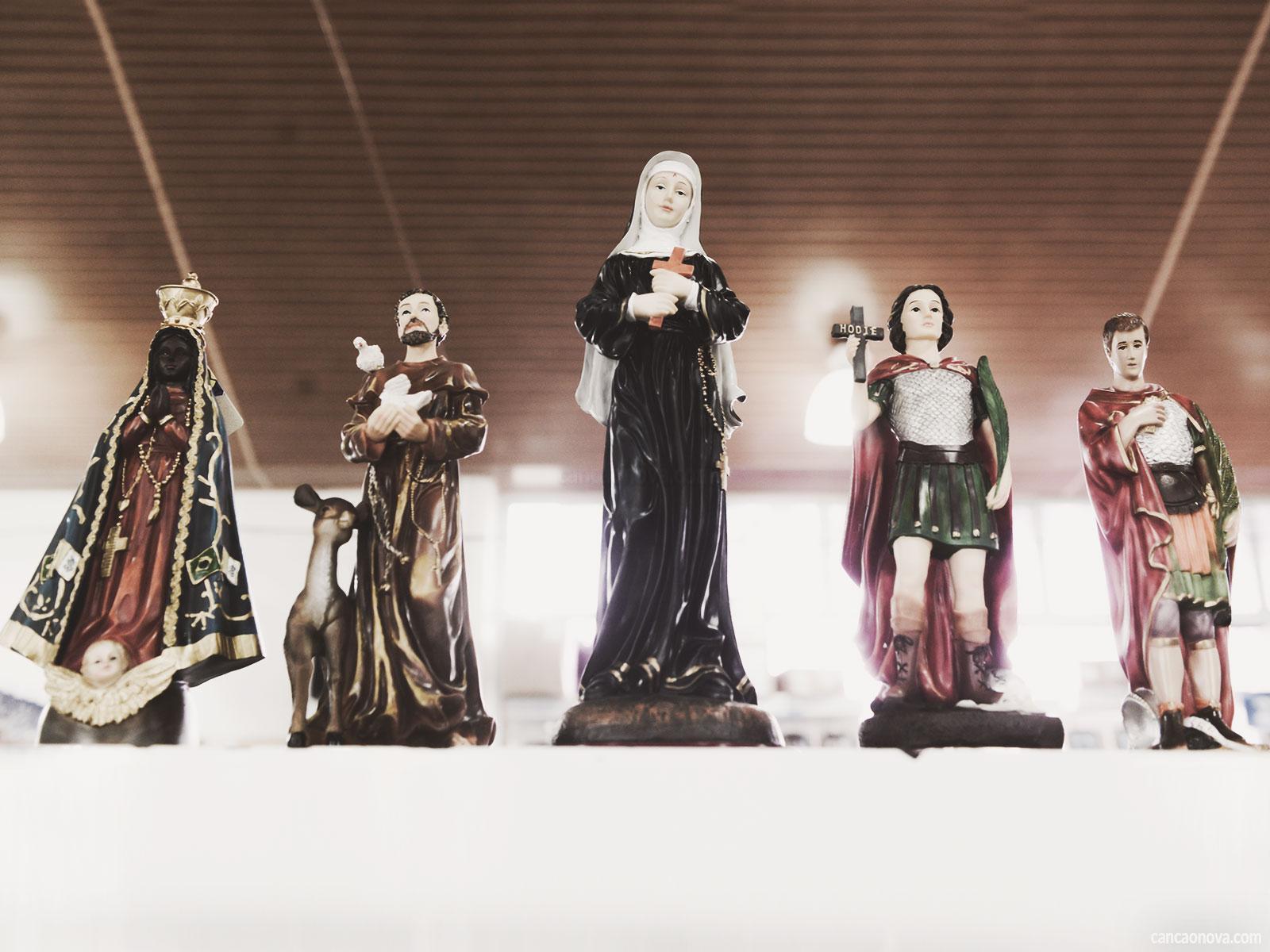 -Por-que-a-Igreja-Católica-cultua-a-imagem-de-santos
