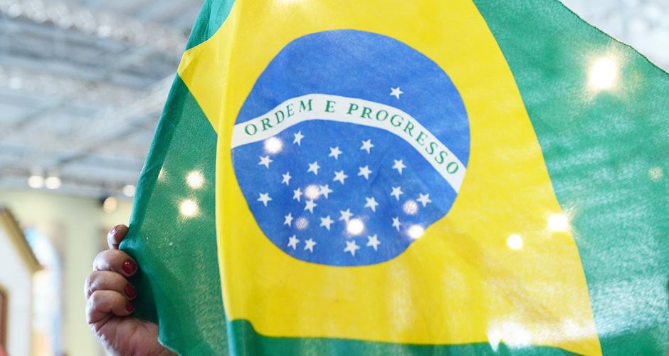 O que fazer com as crises no Brasil -  940x500