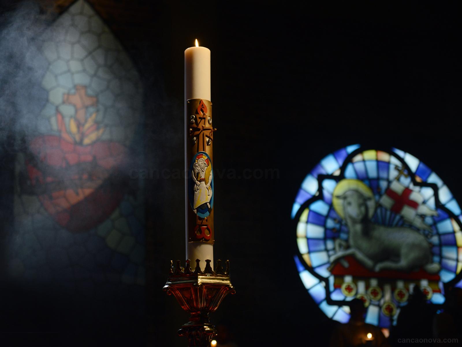 A Vigília Pascal faz do Sábado Santo uma noite de luz-artigo (1)