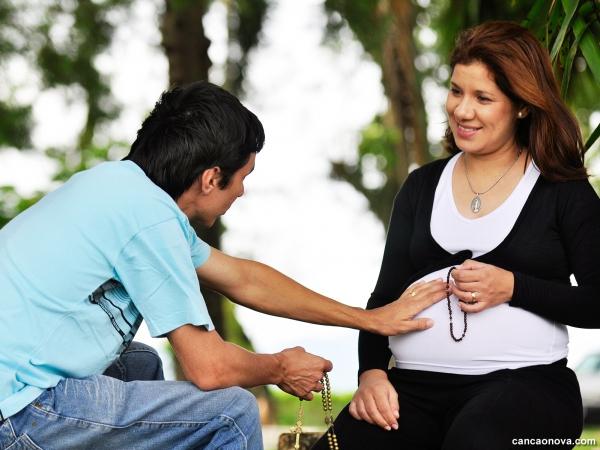 Oração para a criança no ventro materno