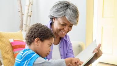 Os avós podem ter grande influência na educação dos netos