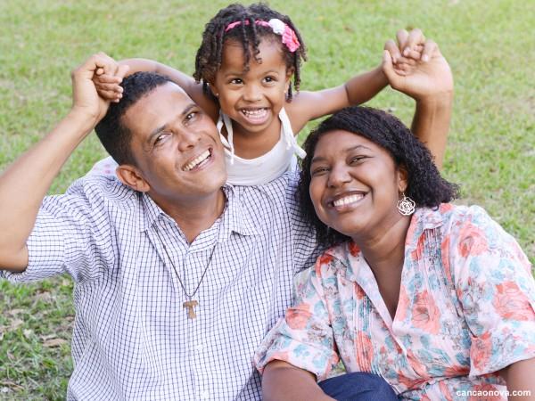 Familia, esperança de Deus para o mundo - 1600x1200