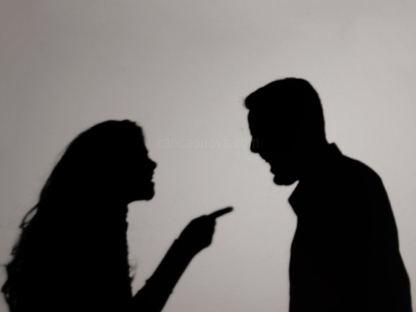 Como lidar com as brigas e os desentendimentos no namoro - 1600x1200