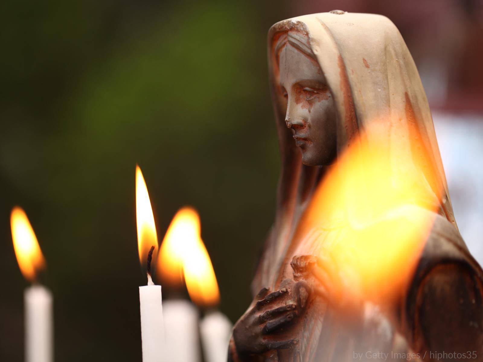 Reze conosco a novena a Nossa Senhora das Dores