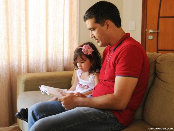 Como os pais podem estimular o desenvolvimento dos filhos