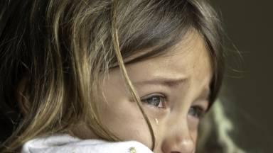 Filhos abandonados dentro da própria casa
