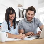 Diálogo financeiro e orçamento familiar em planilha