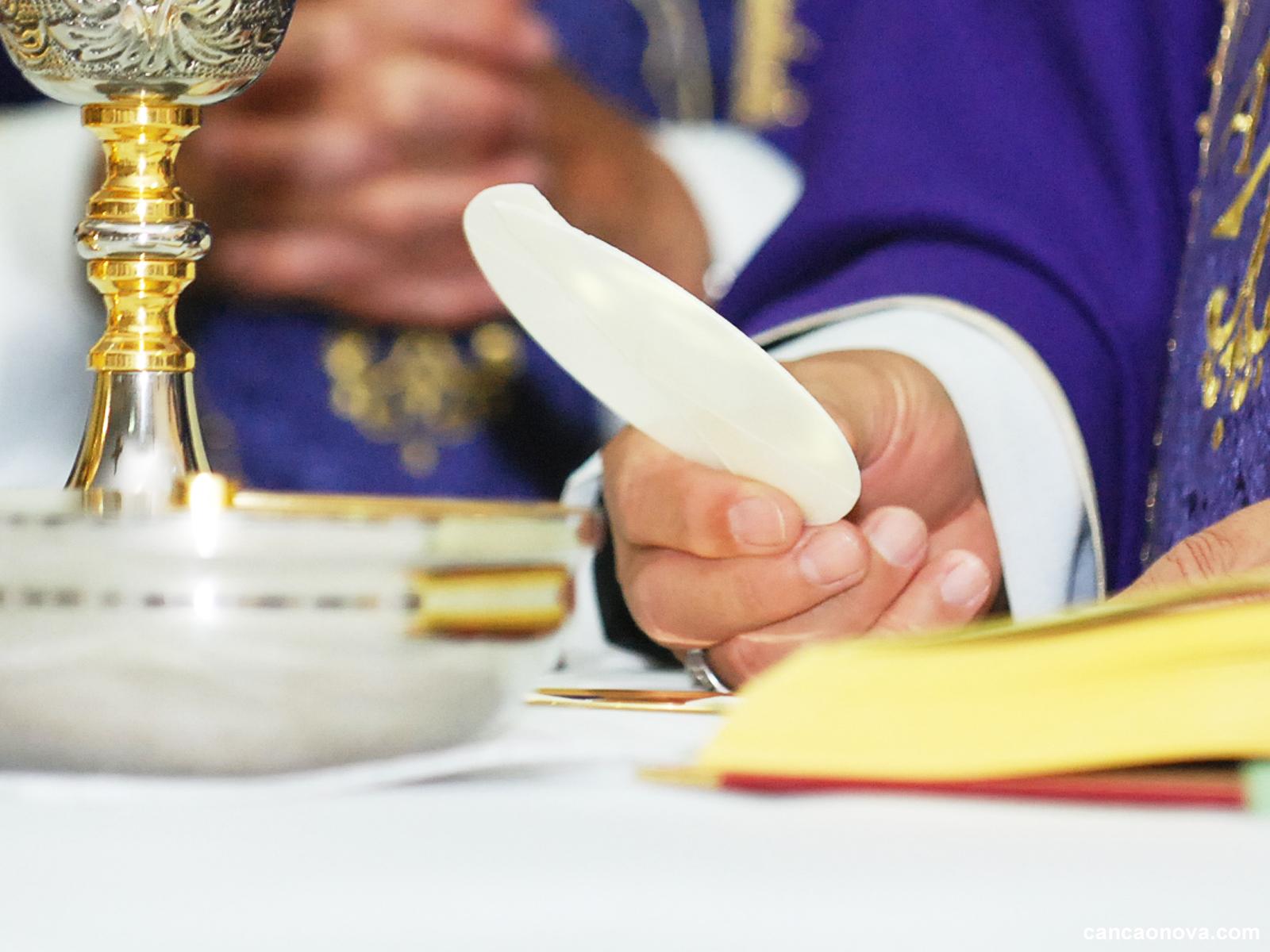 Condições espirituais necessárias para receber a Eucaristia -