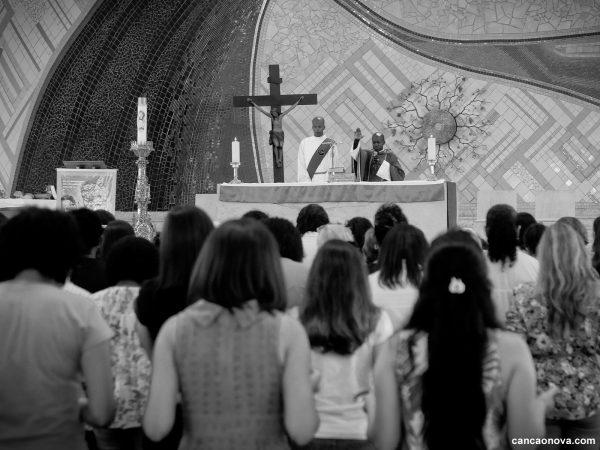 Por que celebrar a missa de sétimo dia