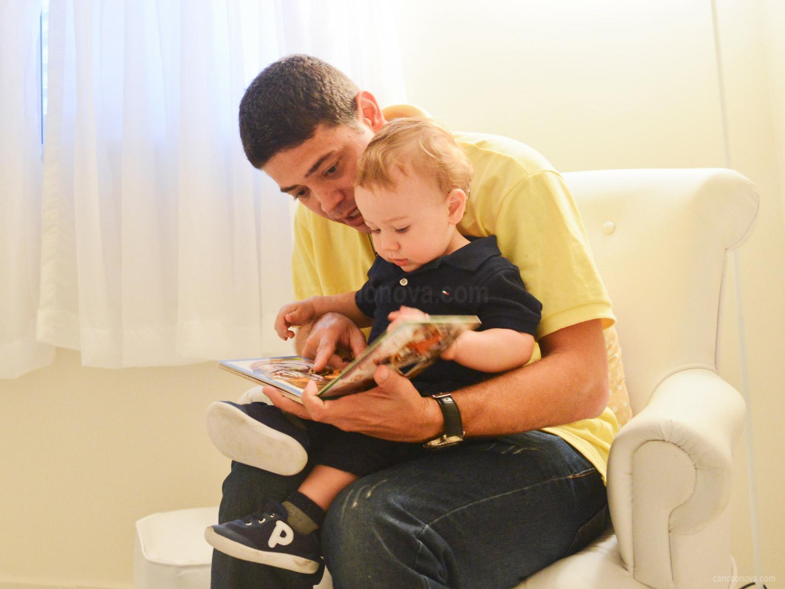 Como-os-pais-podem-auxiliar-na-alfabetização-dos-filhos