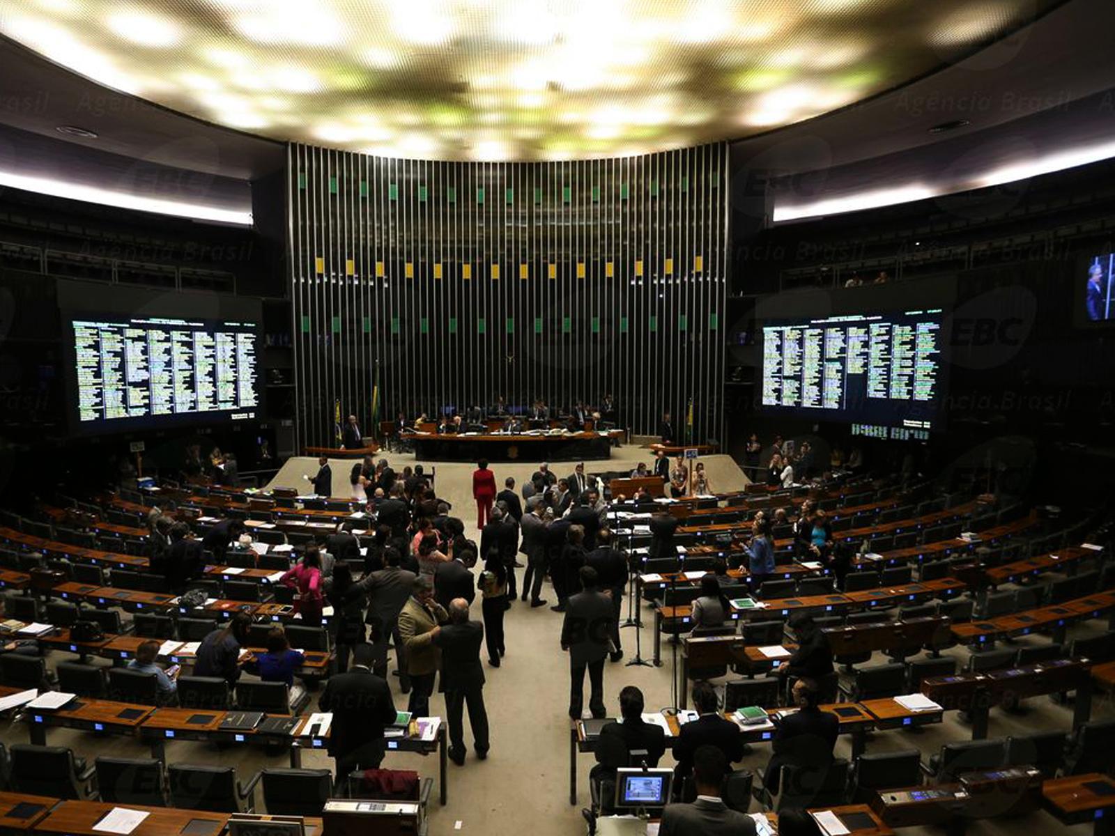 O Brasil vive uma crise de representação no poder político