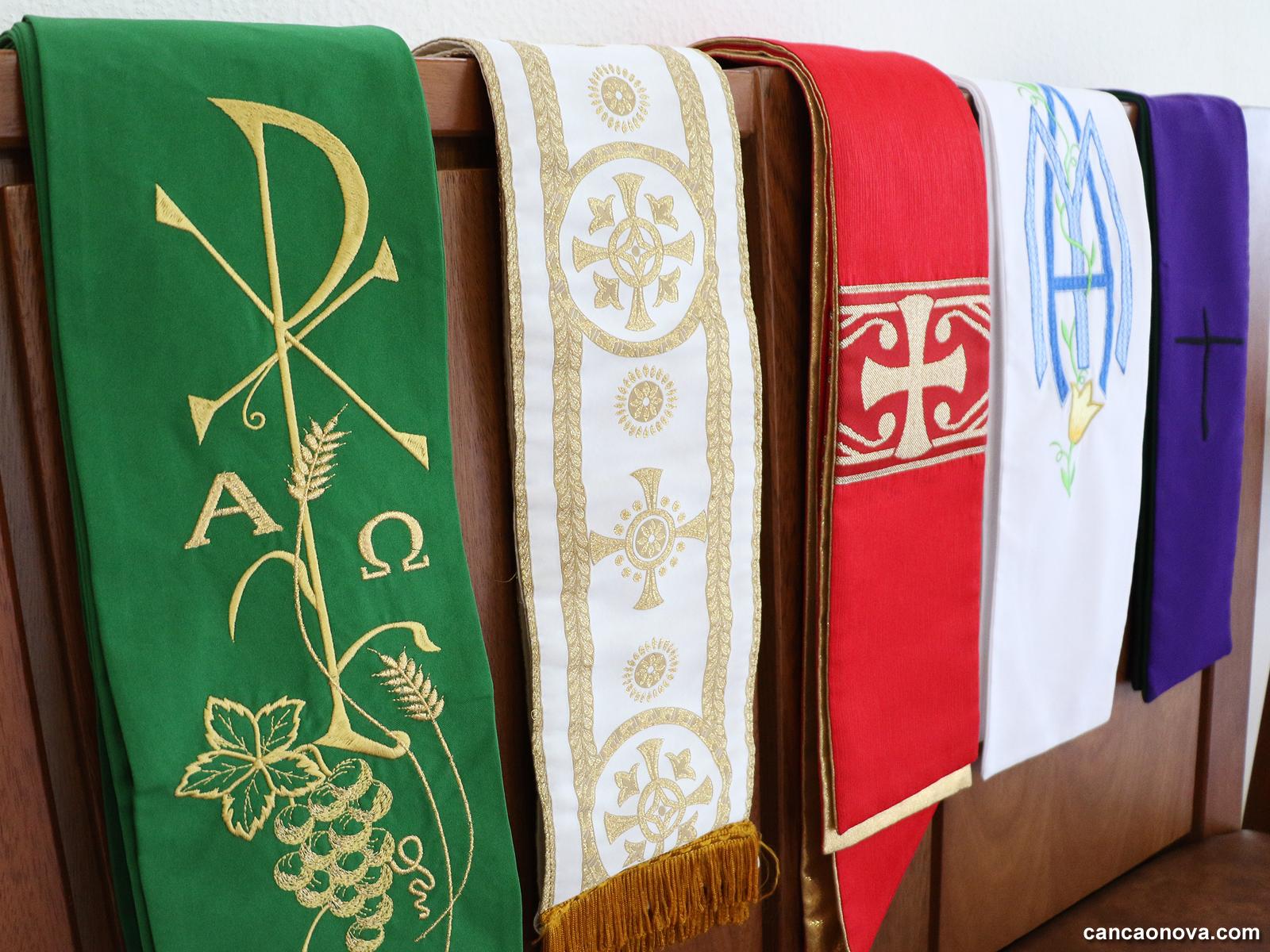 Por quê usamos diferentes cores na liturgia