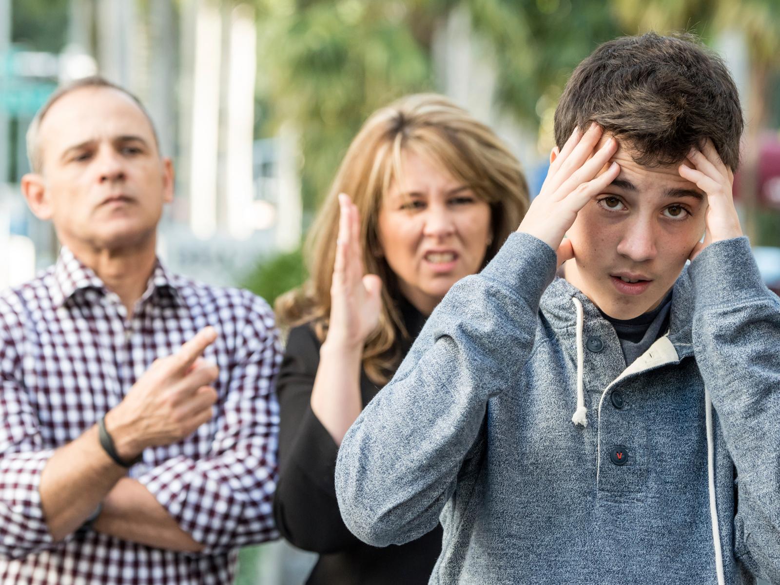 Sinais preocupantes que os pais não estão sabendo educar os filhos