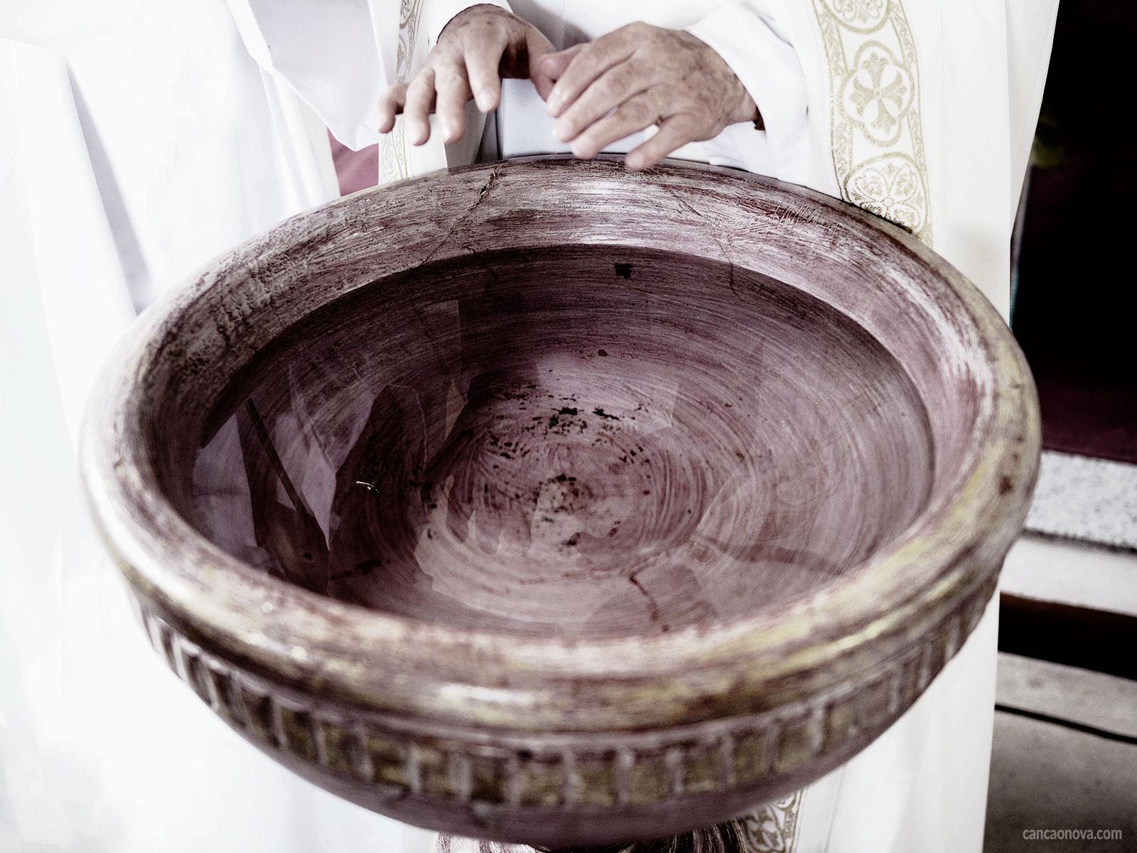 A água benta e seu sentido na vida cristã