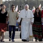 Papa Francisco nos convida a realizar uma política para a paz