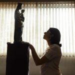 Adoração, devoção e veneração: existe diferença?