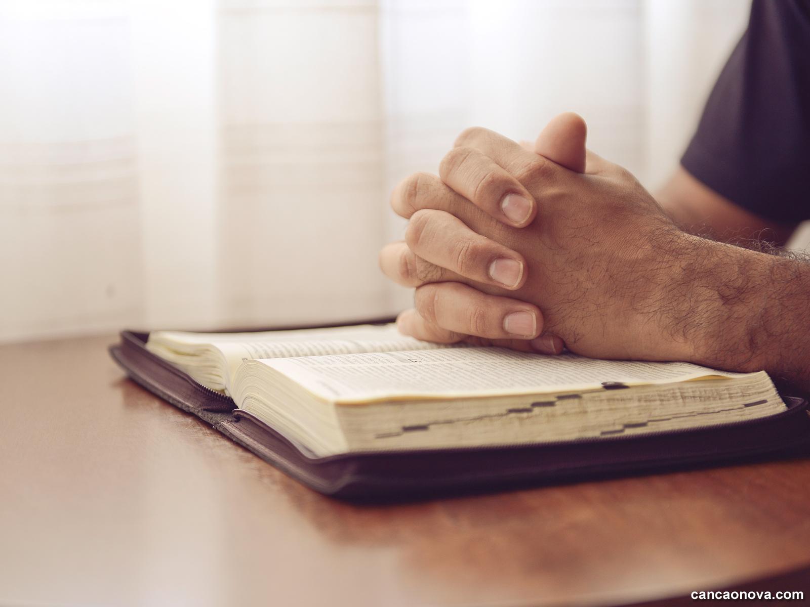 Oração,-via-de-diálogo-entre-nós-e-o-Senhor-
