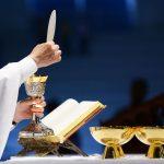-Testemunho-de-milagre-com-o-Corpo-e-Sangue-de-Cristo-