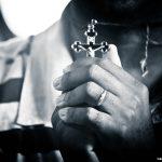 Como buscar a cura física e espiritual para a nossa vida e família