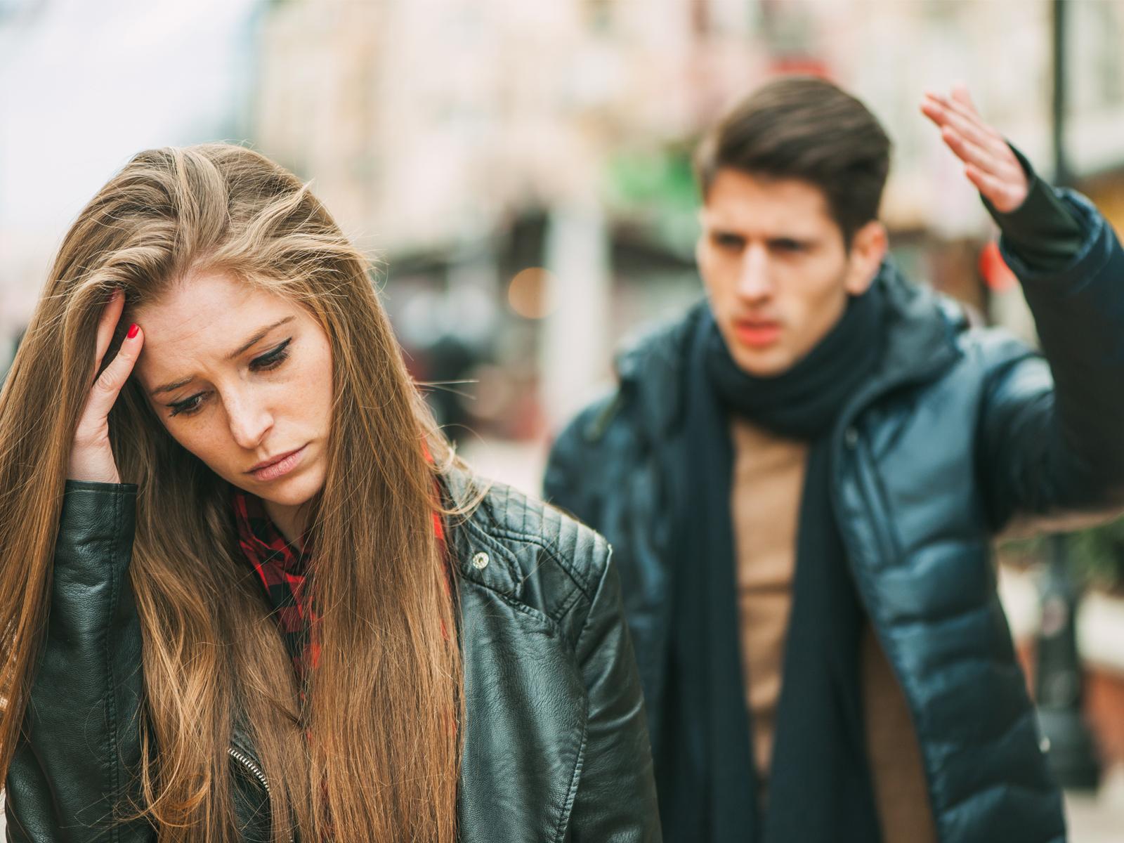 -Como-saber-se-vivo-um-namoro-abusivo-