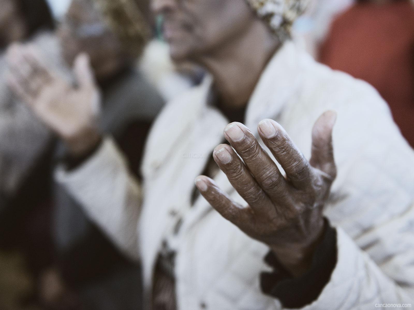 Entenda cada parte da oração do Pai-Nosso