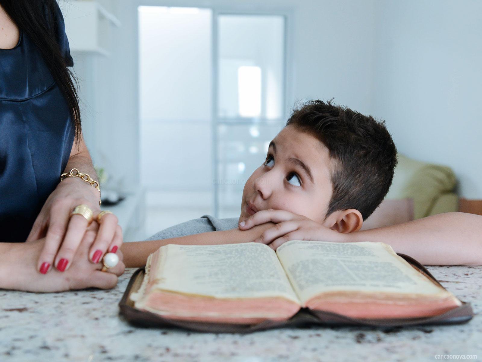 Qual a importância dos pais incentivarem os filhos a irem na catequese