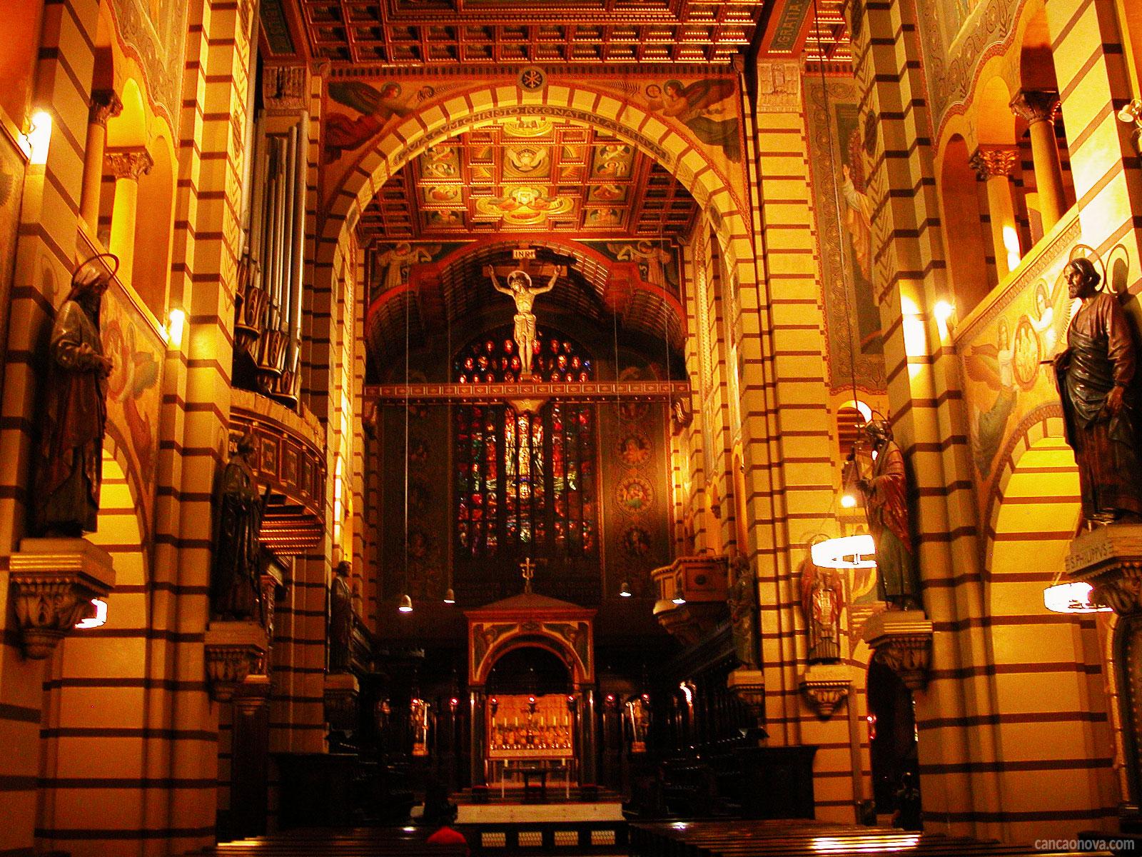 Qual-é-a-importância-das-artes-sacras-nas-Igrejas