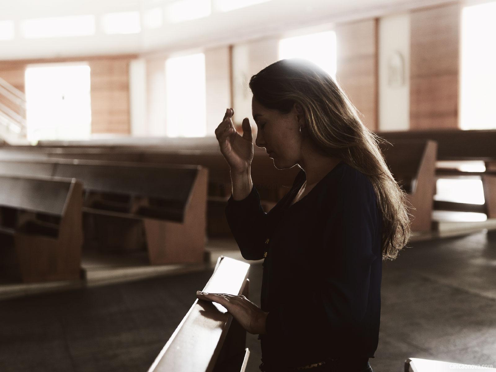 Como cristãos por que e como devemos fazer o sinal da cruz?