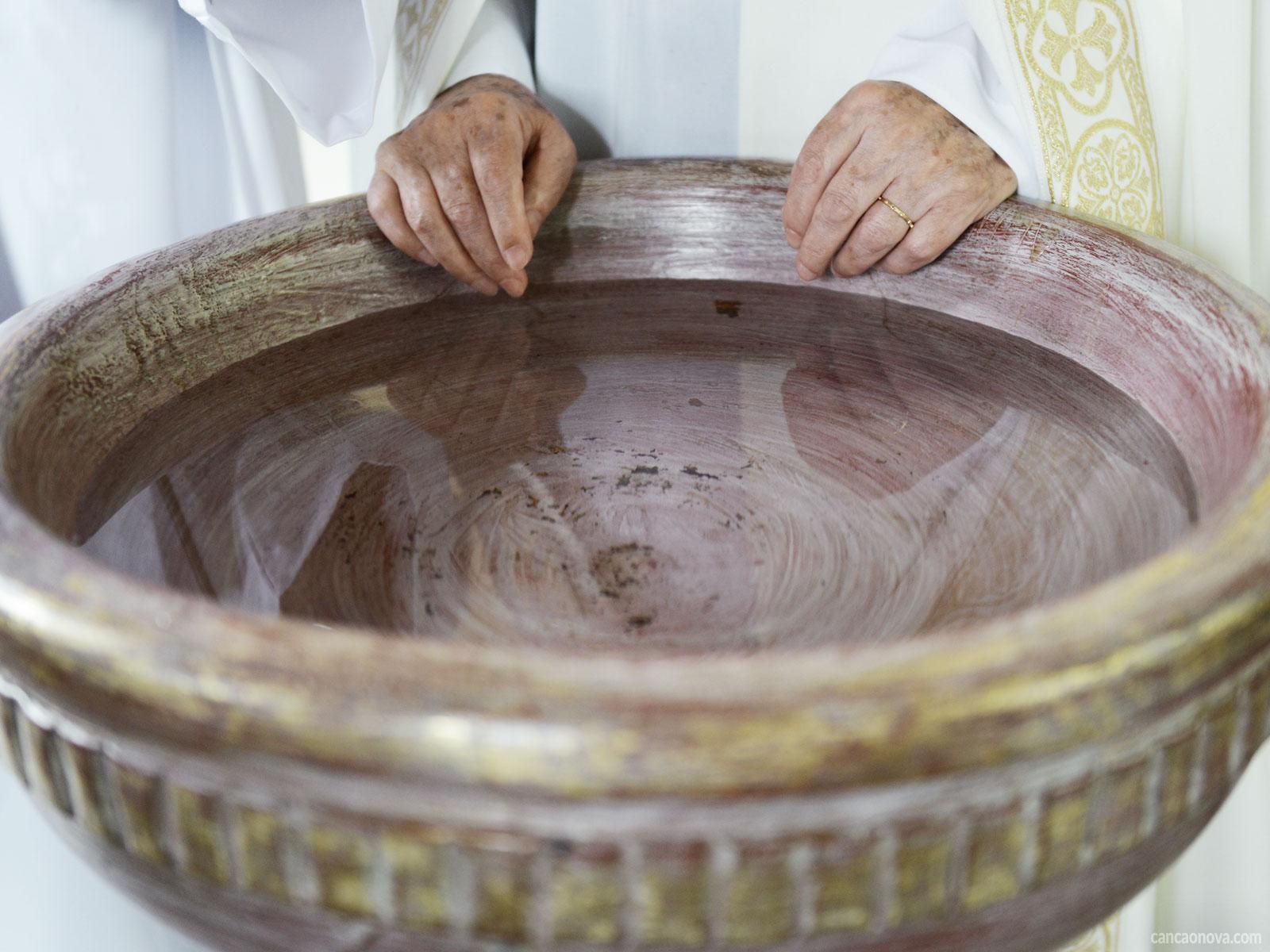 -Você-sabe-qual-é-a-simbologia-da-água-no-contexto-bíblico